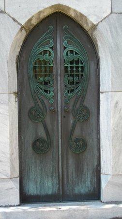 Bonaventure Cemetery Tours: Mausoleum Doors @ Bonaventure & Mausoleum Doors @ Bonaventure - Picture of Bonaventure Cemetery ... Pezcame.Com