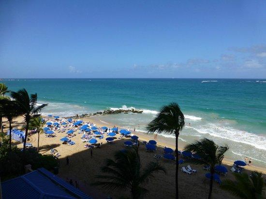 San Juan Marriott Resort & Stellaris Casino: View of beach from 4th floor room