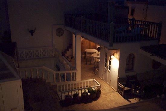 Riad Baladin: Die Dachterrasse abends