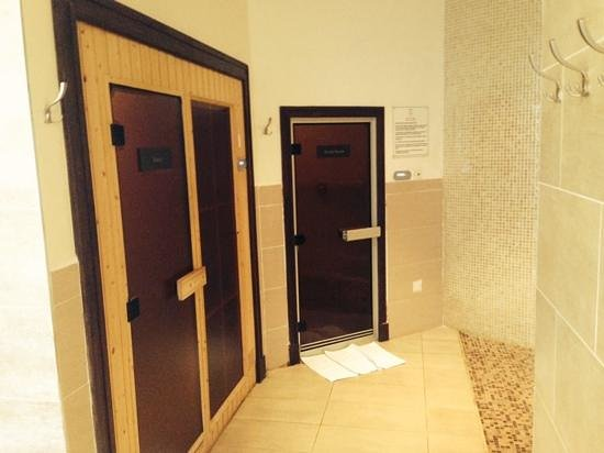 Villa Rosa Kempinski Nairobi: entrance to the steam bath and sauna....my favs