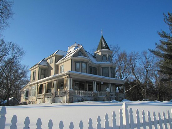 Woodstock, IL: Bed and Breakfast