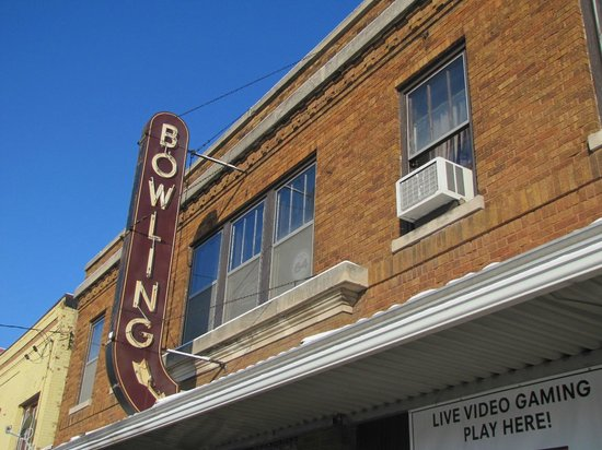 Woodstock, IL: Bowling Alley