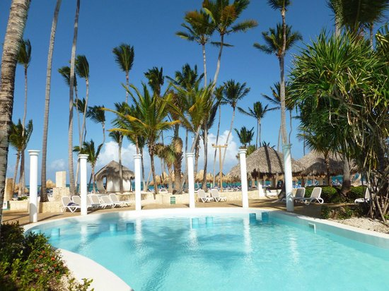 Pool & Beach Area - Picture of Melia Caribe Tropical All ...