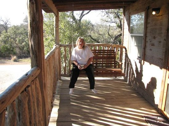 Hill Country Resort and Event Center: Swing on the porch of cottage