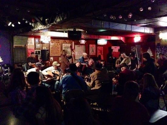Station Inn: Bluegrass jam session