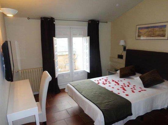 Hotel Leonor de Aquitania: Habitación con vistas