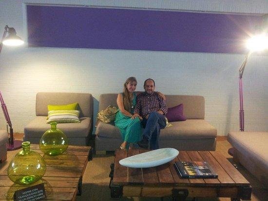 Tryp Bucaramanga Cabecera: Lobby hermoso para tomarse una copa de vino !!!