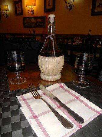 L'Antico Moro : vino rosso