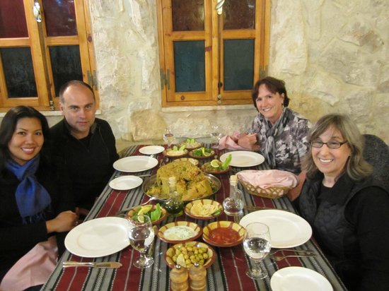 Al Qantarah : You can't believe what four people can eat