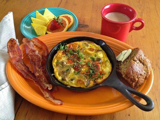 Mariposa Lodge Bed and Breakfast : Frittata breakfast