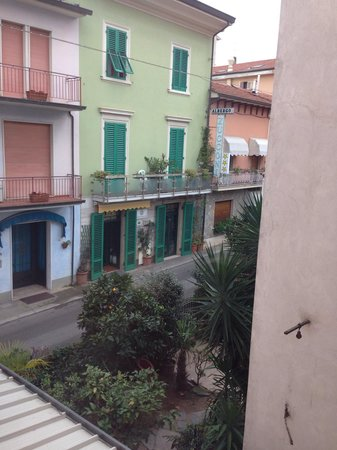 Hotel Innocenti: Vista dalla 204
