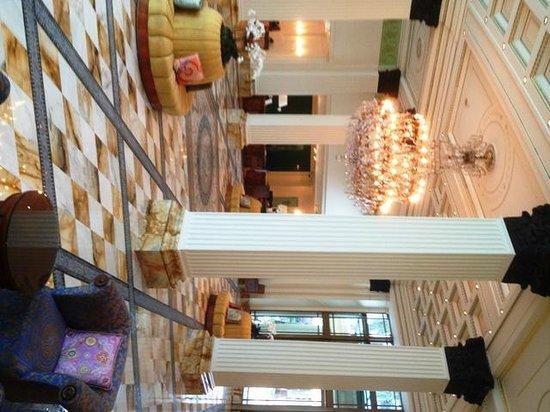 Palazzo Versace: Foyer