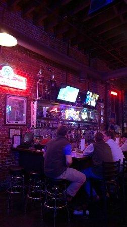 Dreamland BBQ: Bar