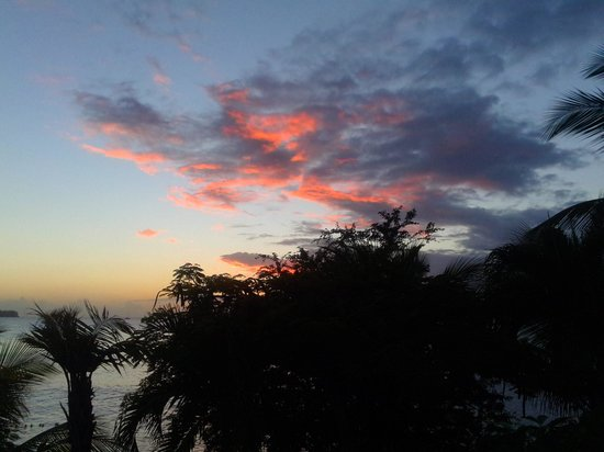 Calabash Cove Resort and Spa : Sunset at Calabash
