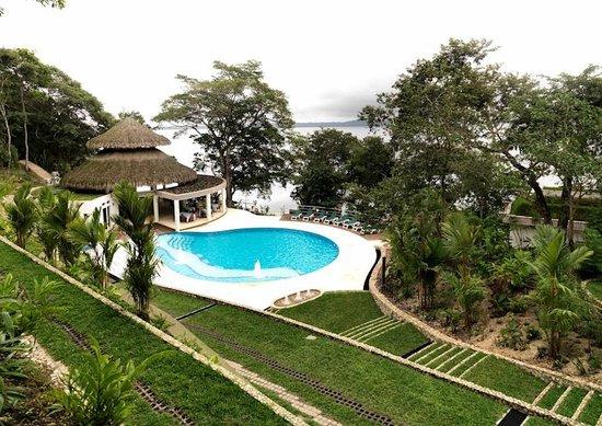 Bolontiku Hotel Boutique: Integrado en la selva petenera, une el confort contemporáneo y la naturaleza.