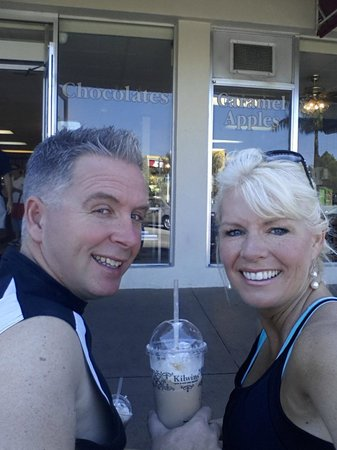 Kilwin's Chocolates: Morning Iced Lattes on the bench