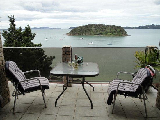 Bay of Islands Beach House: Best place to eat, drink, relax