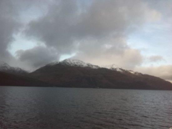 Loch Long Hotel: loch