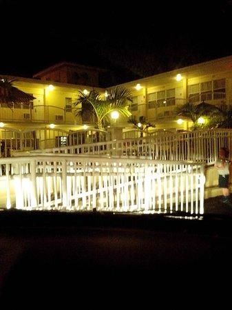 Beach Place Hotel : Frente