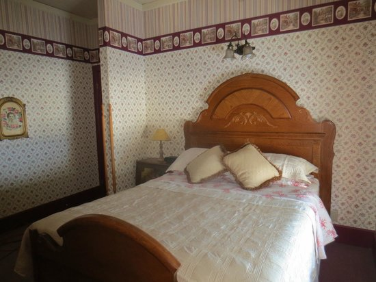 Carriage House Bed and Breakfast: Friendship Room/Jacuzzi Suite