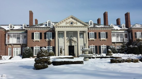 The Mansion at Glen Cove : Glen Cove Mansion in Winter