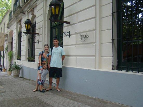 Don Antonio Posada: Hotel lIndo...