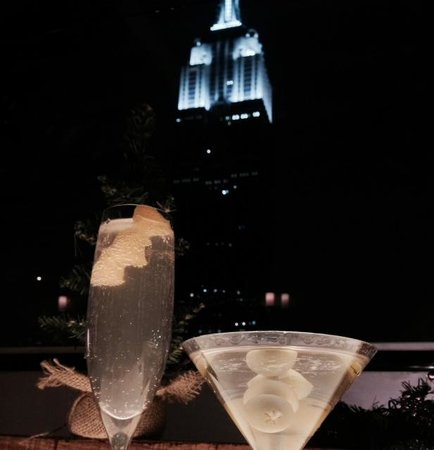 Marriott Vacation Club Pulse, New York City: Drinks at The Top of The Strand NYC