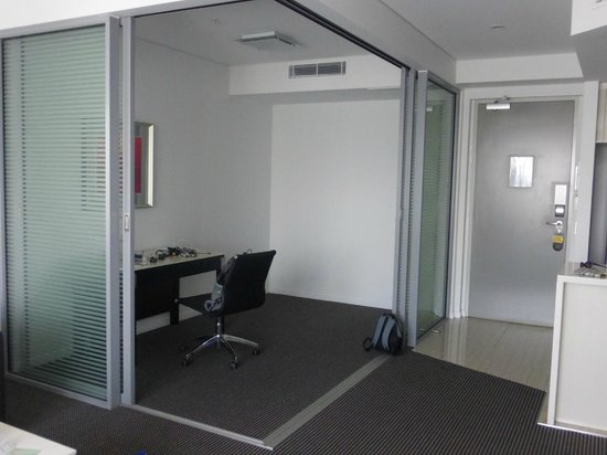 Meriton Serviced Apartments Brisbane on Herschel Street: Office section with doors