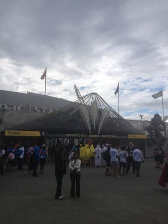 Westpac Stadium: Not fuss, very little waiting getting through gates