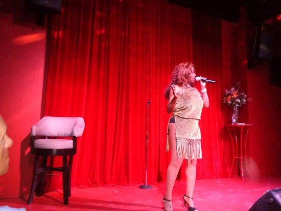 Act II Entertaiment : singer