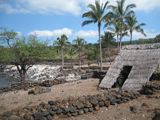 Lapakahi State Historical Park: The shelter in this image was inhabited until the early 1900's.