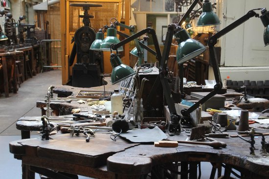 Museum of the Jewellery Quarter: The workshop