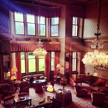 Inverlochy Castle Hotel: great hall