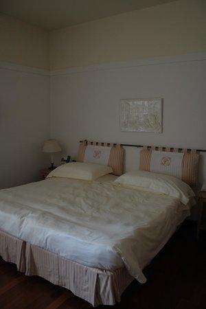 Grand Hotel Minerva: bed
