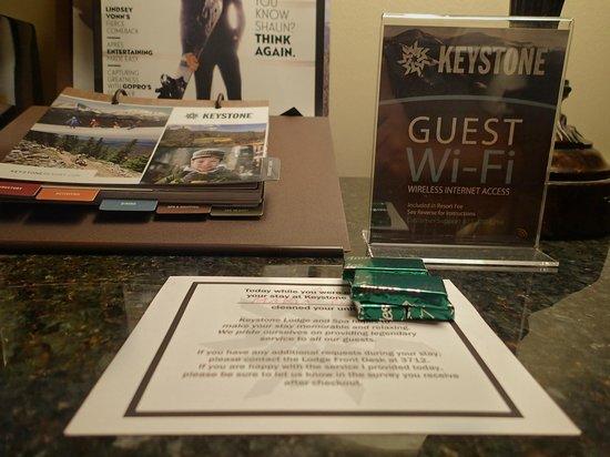 Keystone Lodge & Spa: Wifi included. Mint chocolates from housekeeping