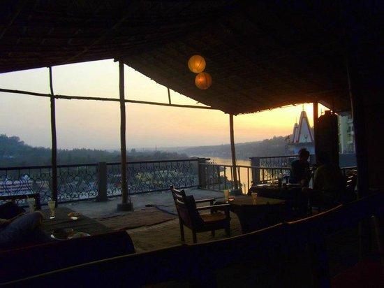 60's (Cafe Delmar/Beatles Cafe): Sunset