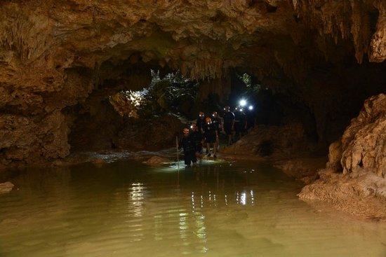 Rio Secreto : Entering the cave