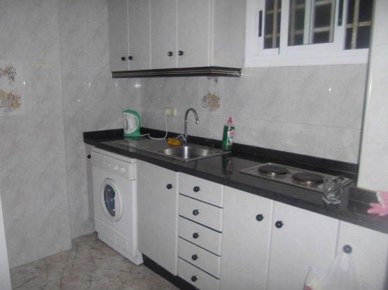 Aquarium III: Clean kitchen with washing machine