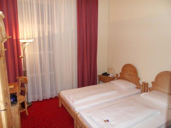Novum Hotel Madison Dusseldorf Hauptbahnhof: nice room