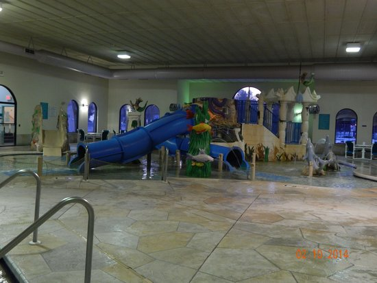 Atlantis Waterpark Hotel & Suites : Swimming area