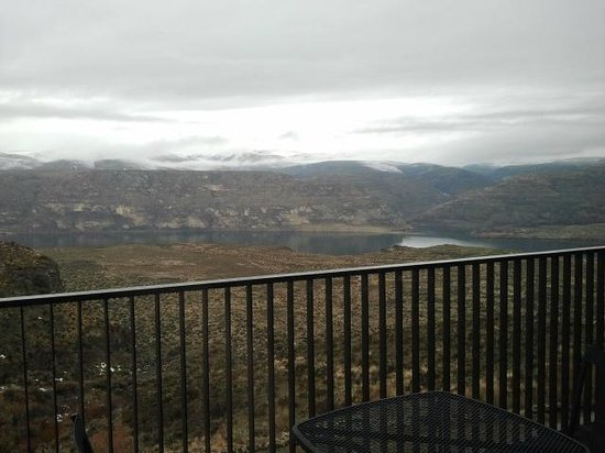 Cave B Estate Winery & Resort: View from our cavern room!
