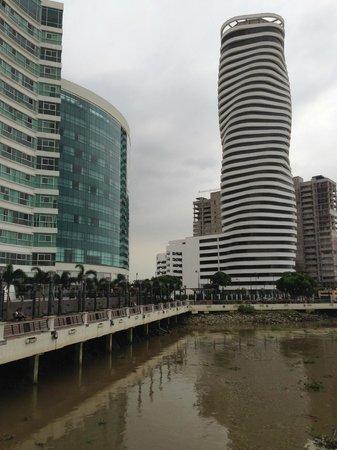 Wyndham Guayaquil: Vista Exterior