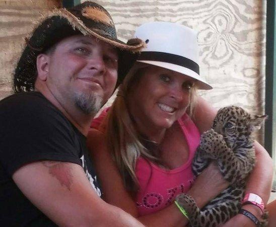Zoologico de Vallarta: With Baby Bangle Tiger <3