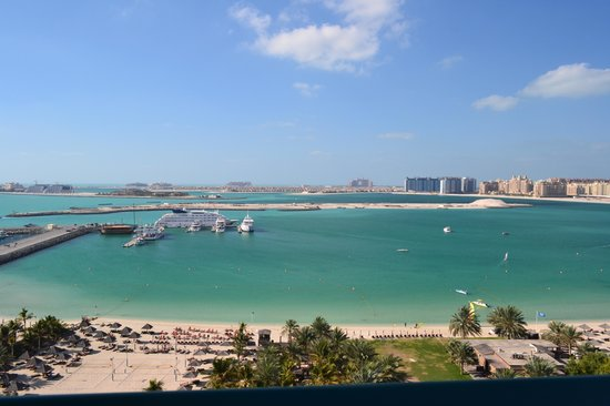 Le Meridien Mina Seyahi Beach Resort and Marina: Mina Beach and pool