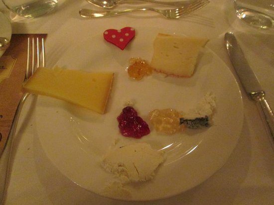 Hotel Monte Rosa : Valentine's day cheese plate