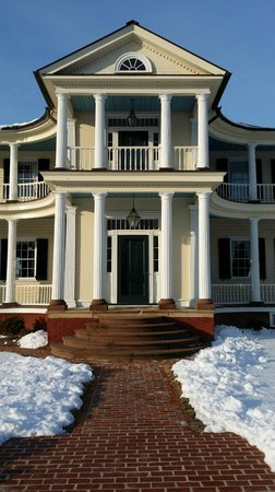 Belle Grove Plantation Bed and Breakfast: main entrance