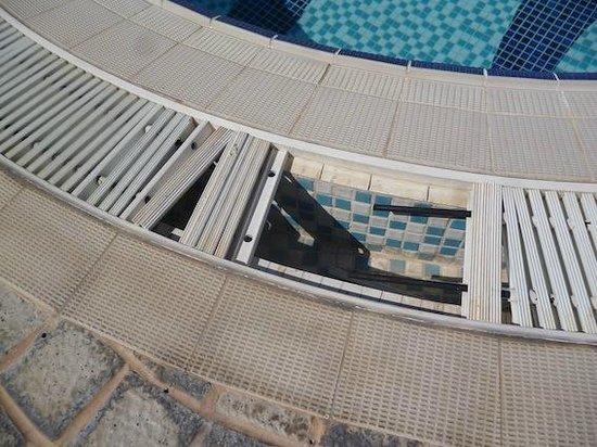 Jormand Hotel Apartments : poolside