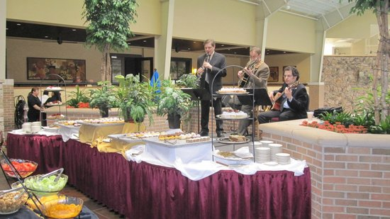 Pheasant Run Resort : Live Jazz Musicians added a nice touch of class