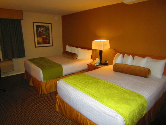 Best Western Plus Carpinteria Inn : Beds