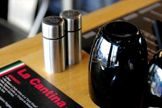 La Cantina: A table !